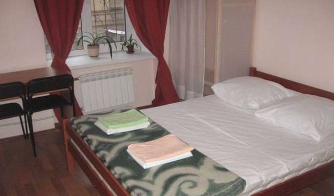 Find cheap rooms and beds to book at hotels in Saint Petersburg